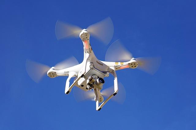 drone-1112752_640